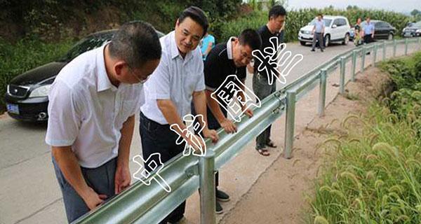 公路波形梁钢伟德国际亚洲平台首页的安装与施工注意事项